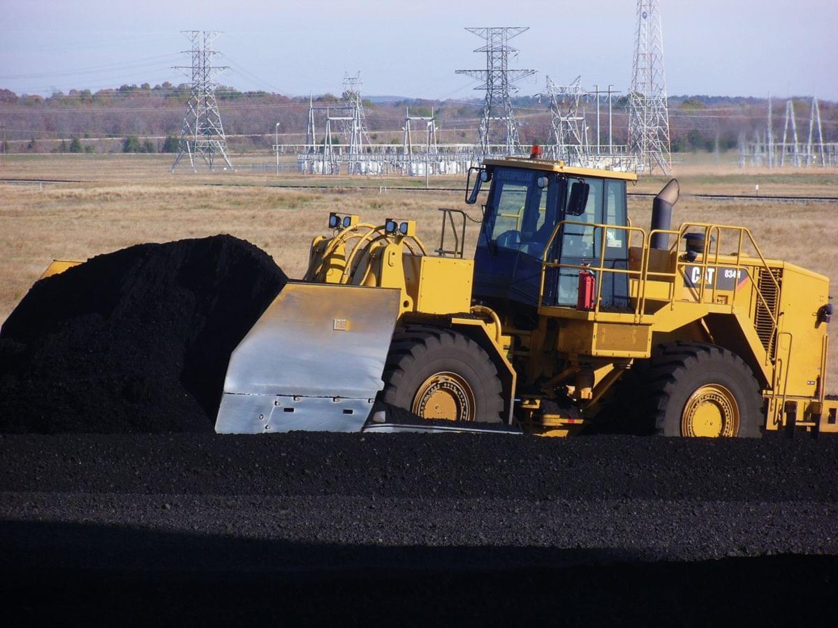 Бульдозер 834H с угольным ковшом